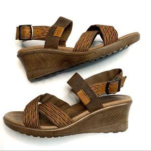 Keen Skyline Wedge Sandals in Thrush Size 7.5